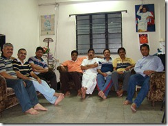 We met on Nov 20 in Ashish's house. L-R - Rajan, Abhijeet, Makarand, Sanju K., Ulhas, Avinash, Sanju B and Ashish
